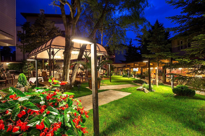Ресторант Проя - градина